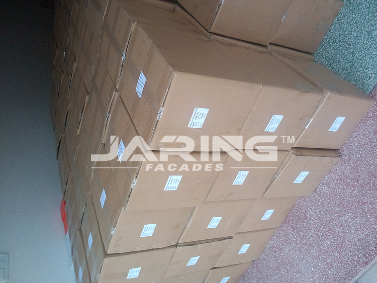 packing photos of aluminum marble clamp.jpg